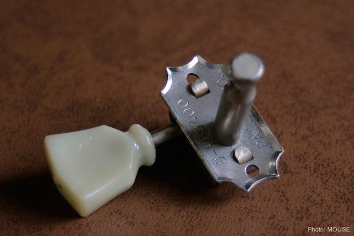 デッドストックのクルーソン・シングルライン・丸ボタンとDMCの組み合わせ