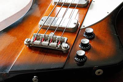 gibson-thunderbird-bass-00