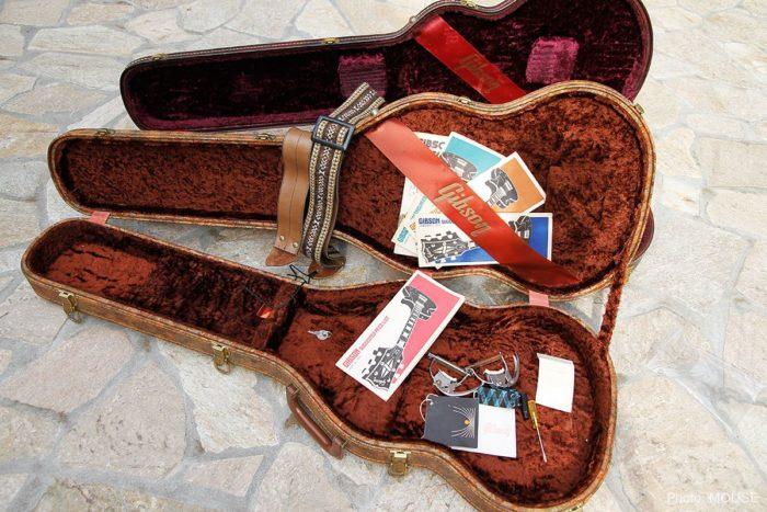 ギターケースの内装
