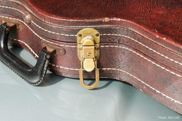 ギターケースの金具