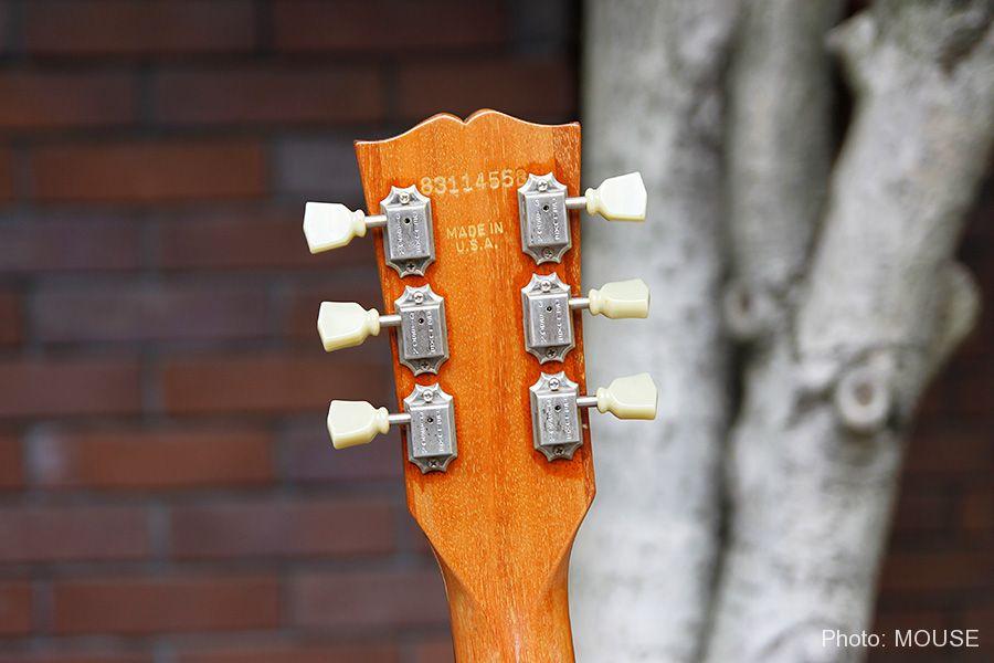 マップギターのヘッドストックの裏側