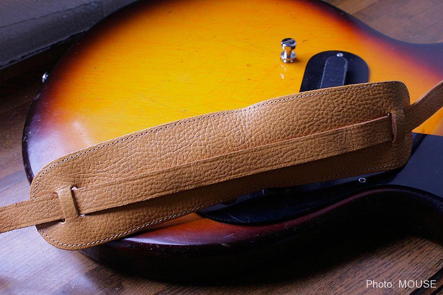 アコギやジャズギターに付属していたレザーストラップ