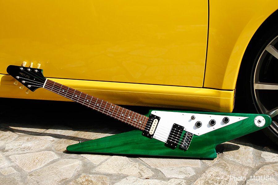 Kurt Wilsonのサンダーボルト・ギター