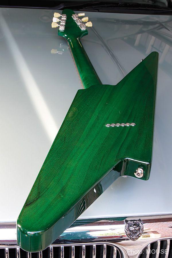 サンダーボルト・ギターのボディ