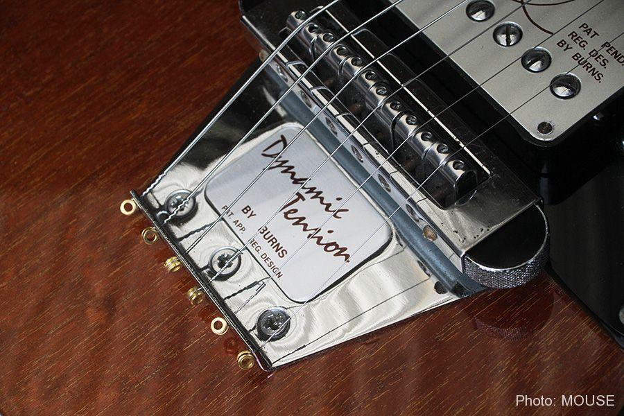フライトギターのブリッジ