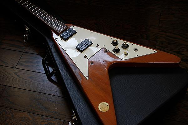 gibson-1974-flying-v-00