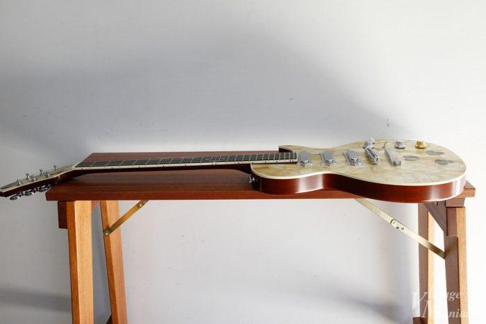 ギターのメンテナンスにちょうど良いサイズ