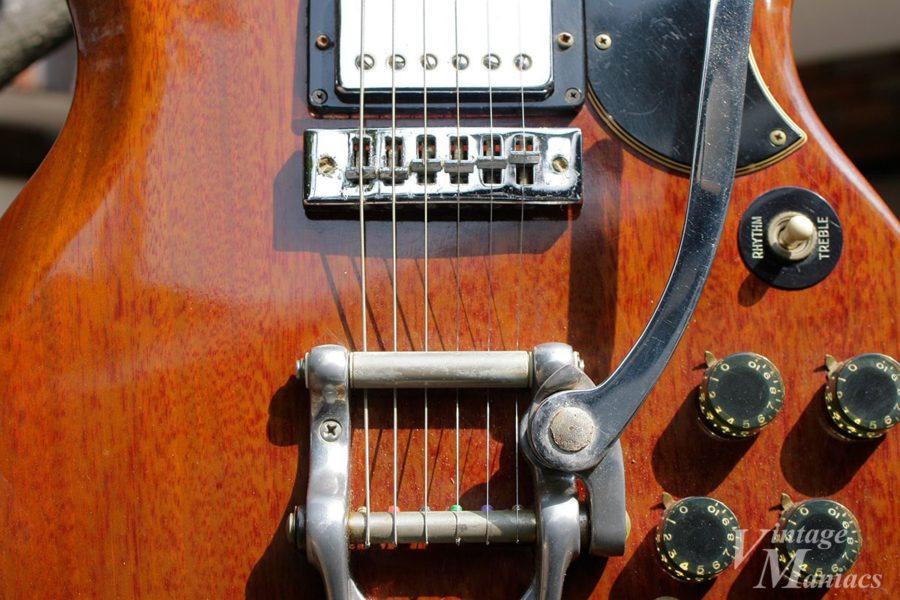 弦を半周まわして固定するビグスビー