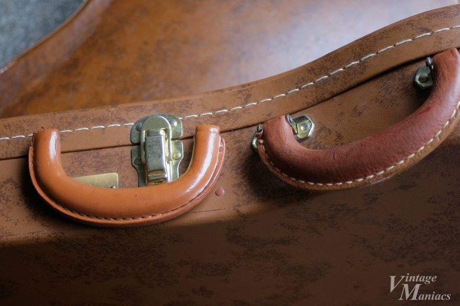 ヴィンテージとは素材や形状が異なるハンドル