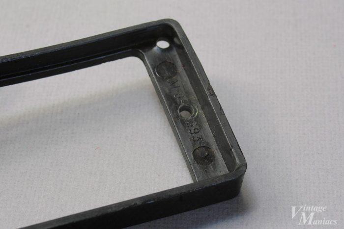 ブラックバージョンのM8刻印ピックアップリング
