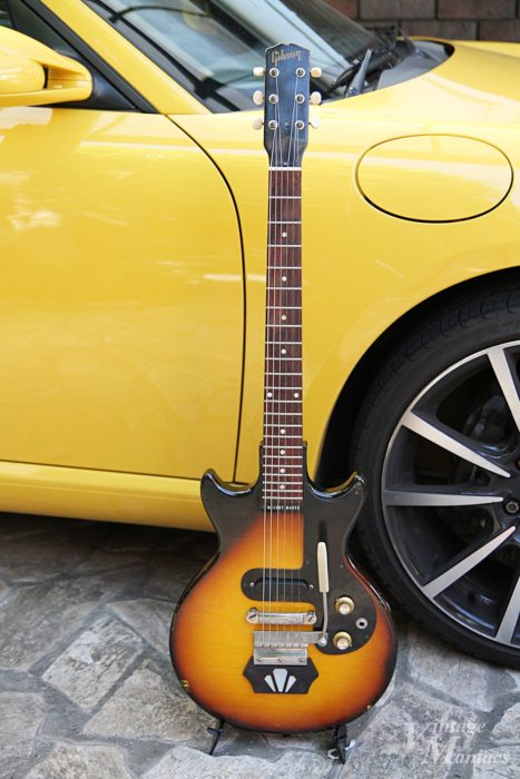 エボニーブロックを搭載すると印象が大きく変わるギター