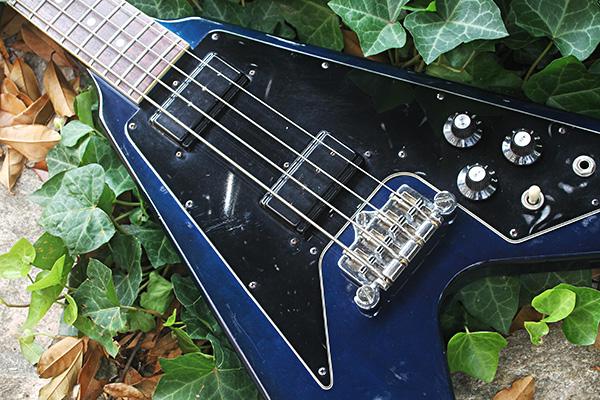 gibson-flying-v-bass-00