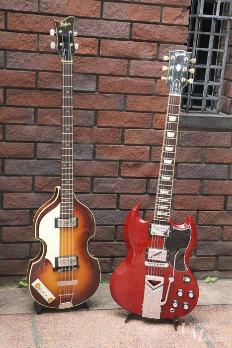 ギブソンSGとヴァイオリンベースのツーショット
