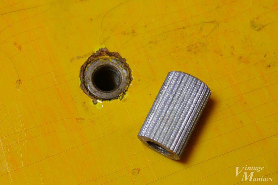 横から見たスタッドボルトのアンカー
