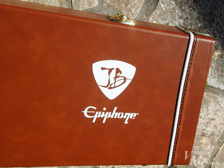 ジョー・ボナマッサとエピフォンのロゴ入りケース