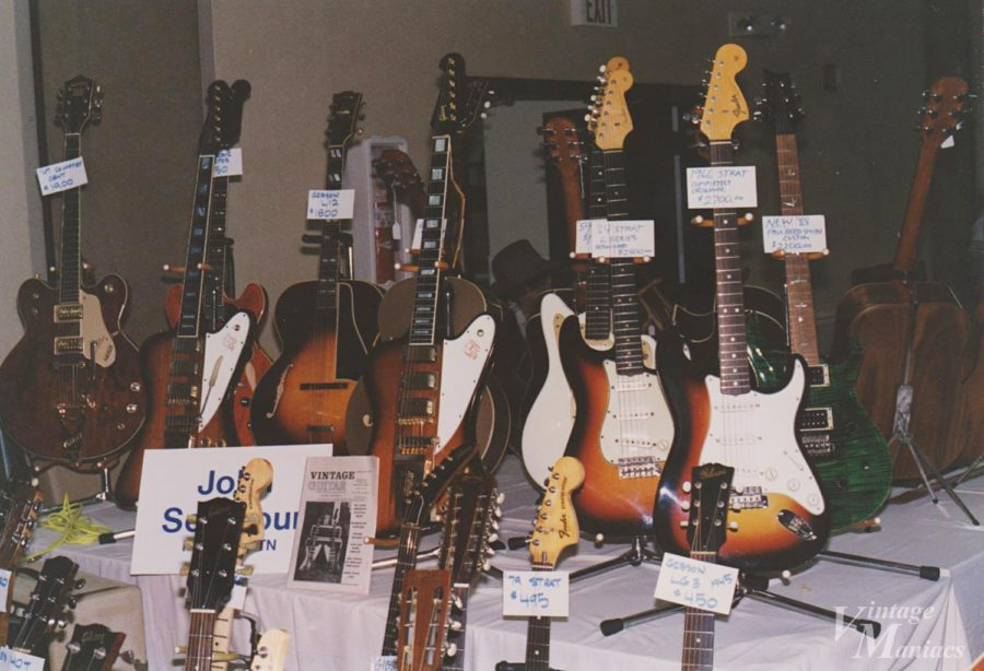 ギターショーで販売中のPRSとストラト