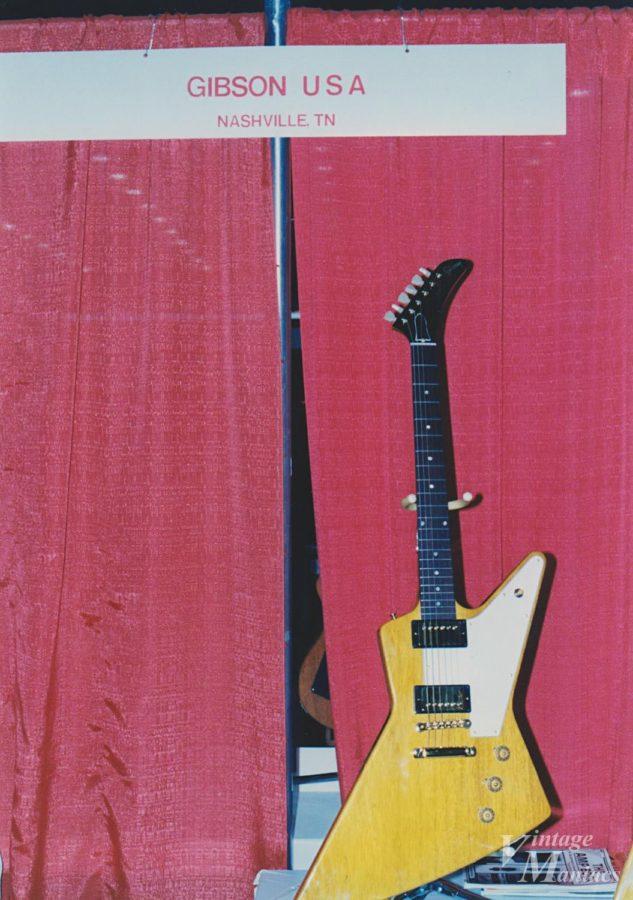 ギターショーに出展されたコリーナ・エクスプローラーのプロトタイプ