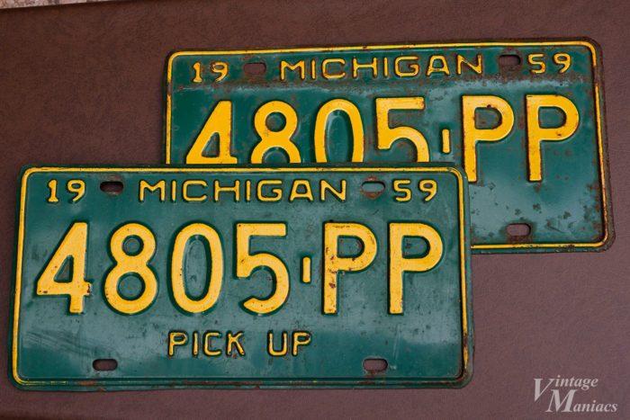 1959年と記載されたミシガンのナンバープレート