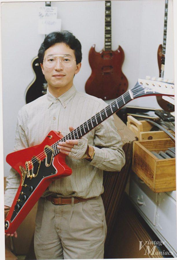 Nomadという珍しいギターを持つ筆者