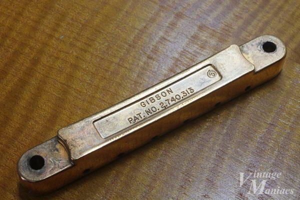 DJマークがついたゴールドのPatナンバーABR-1