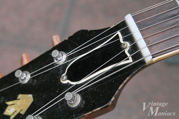 ヴィンテージES-335のトラスロッドカバー