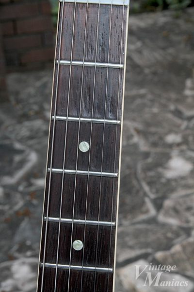 ES-335のハカランダ指板