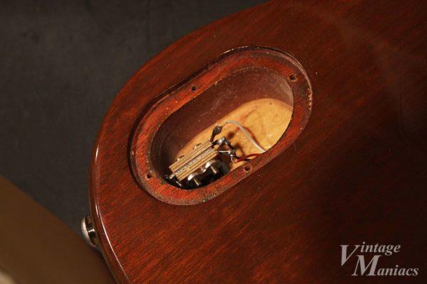 丁寧な作業が施されたHeritage Guitarsの加工