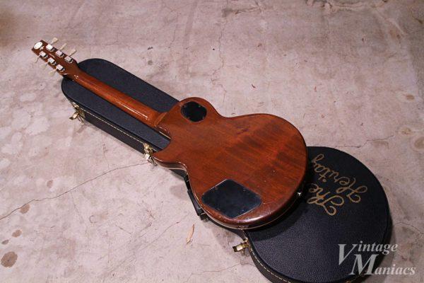 Heritage Guitarsのロゴがかっこいいハードケース