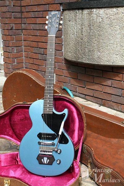 エボニーブロックを取り付けたブルーのレスポール・ジュニア