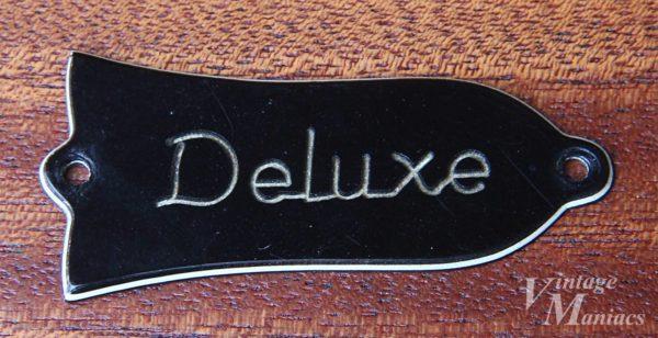白い層が薄くなったDeluxeのロッドカバー