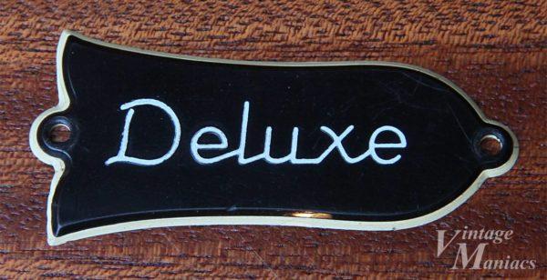 文字が印刷になったDeluxeのロッドカバー