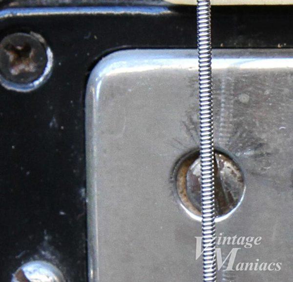 ES-335のピックアップカバー