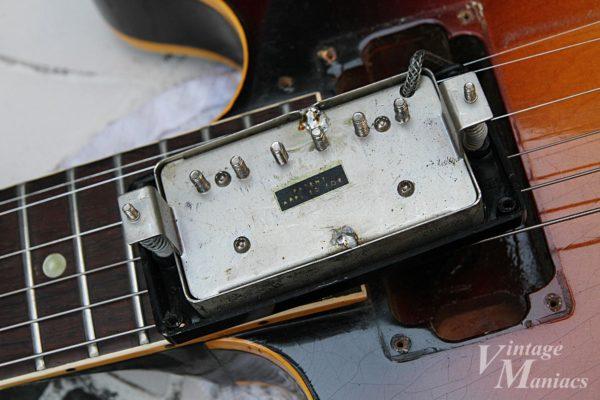 ES-335のピックアップの裏側