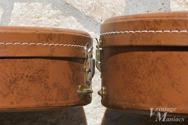 アンコが分厚くなったカナダ製のブラウンケース