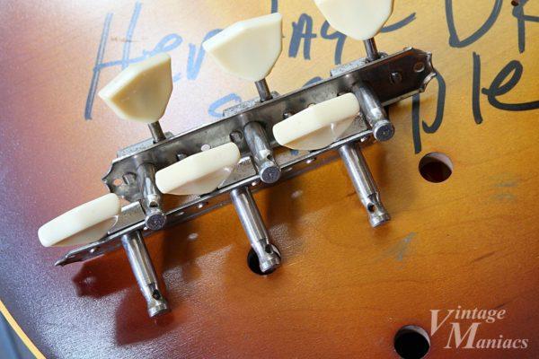 KAYやSILVERTONEのギターに搭載されていたと思われる3連ペグ