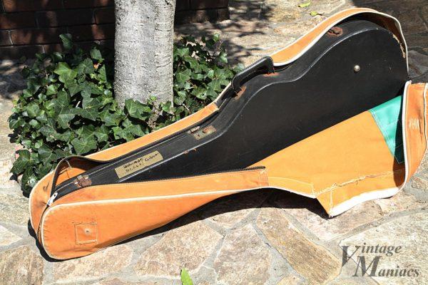 ギターケースを保護するカバー