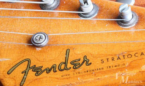 55年製ストラトキャスターのFenderロゴデカール