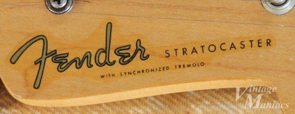 54年製ストラトキャスターのFenderロゴデカール