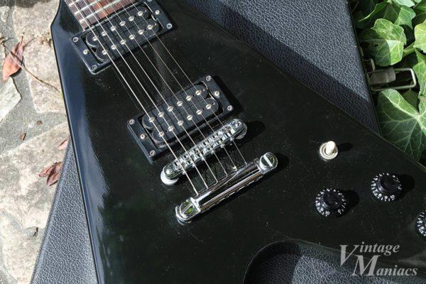 The Gibson Flying V 83のピックガードレス・ボディ