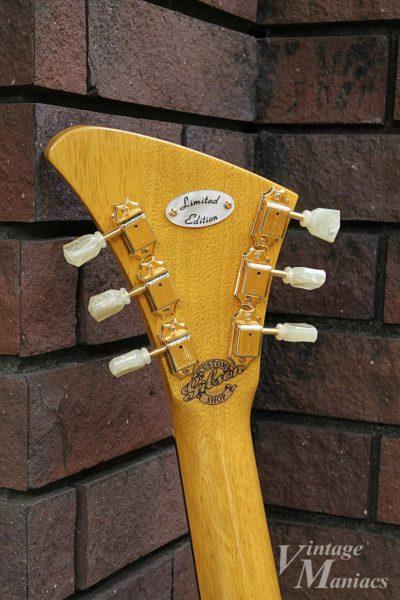 オリジナルデザインを忠実に再現したモダーンのヘッドストック