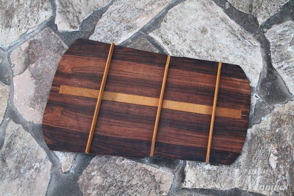 フラットトップギターのバックの板