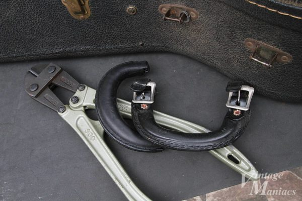 ギターケースのハンドル交換