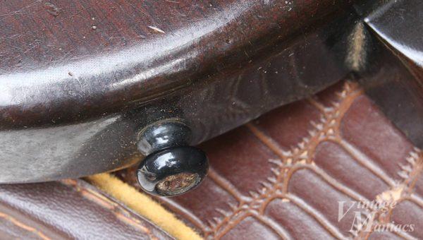 オリジナルの樹脂製ストラップピン