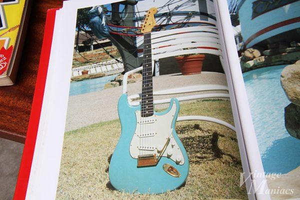ヴィンテージギター・写真集に掲載されたレアなストラトキャスター