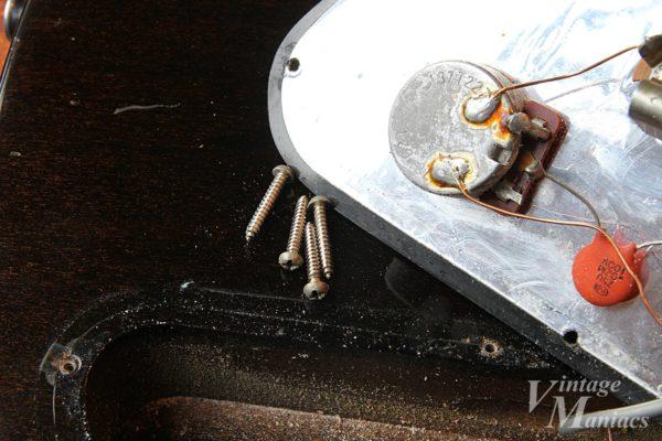 Gibson SG1に使われている特殊なネジ
