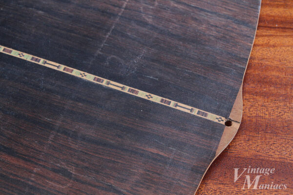ハカランダの木目と寄木細工のような模様