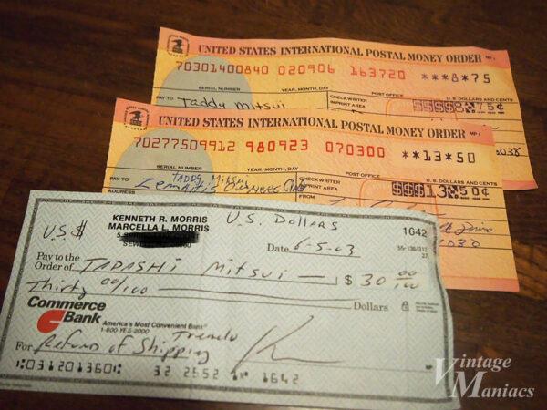 International Postal Money OrderとPersonal Check