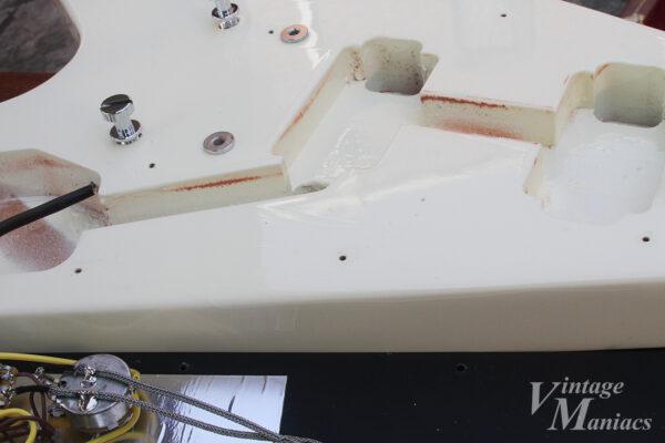 Japan LimitedフライングVの塗装