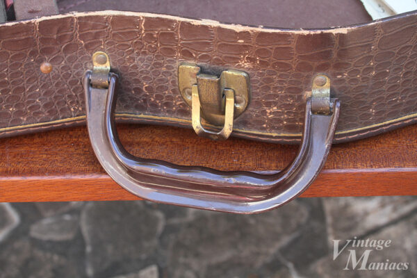 ハンドルが高級っぽいレスポール・ジュニア用のケース