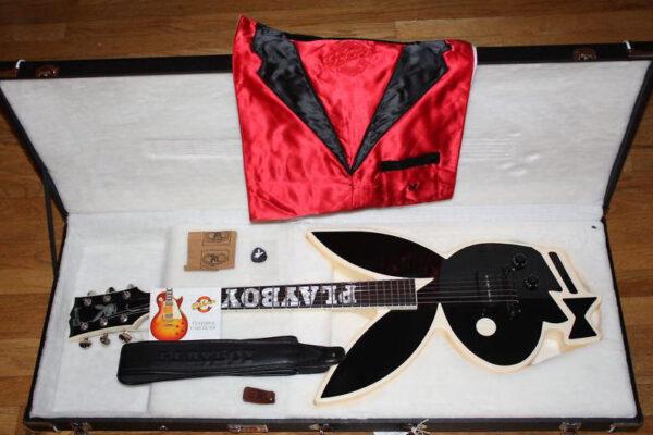 PLAYBOYデザインのギター